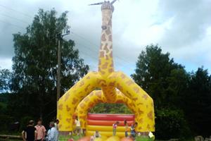 Hüpfburg Giraffe Aufmacher JPG